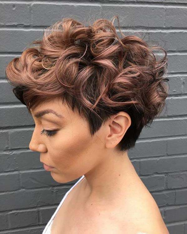 Short Curly Haircuts For Women 2019 86