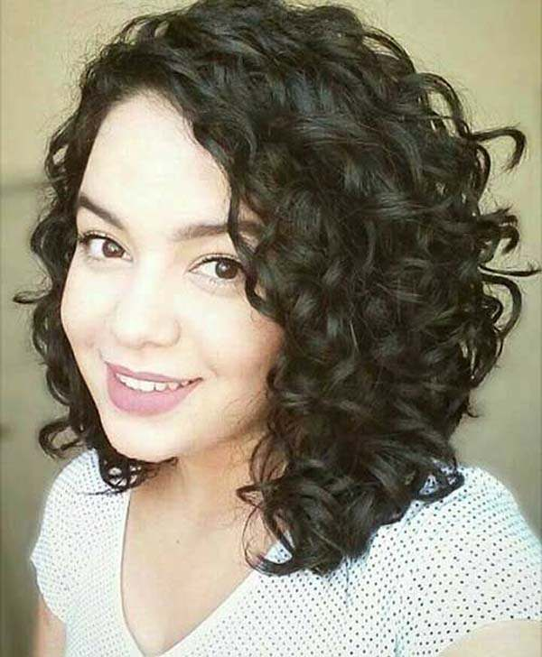 Short Curly Haircuts For Women 2019 43