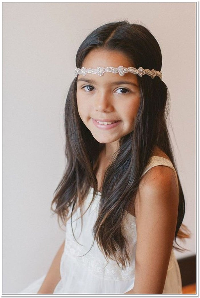 0cd98fb5bdd3a A stylish headband can look so lovely on your baby. This is one of the easy  little girl hairstyles to try.