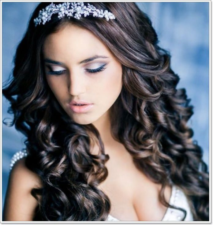 82 Elegant Quinceanera Hairstyles For 2021