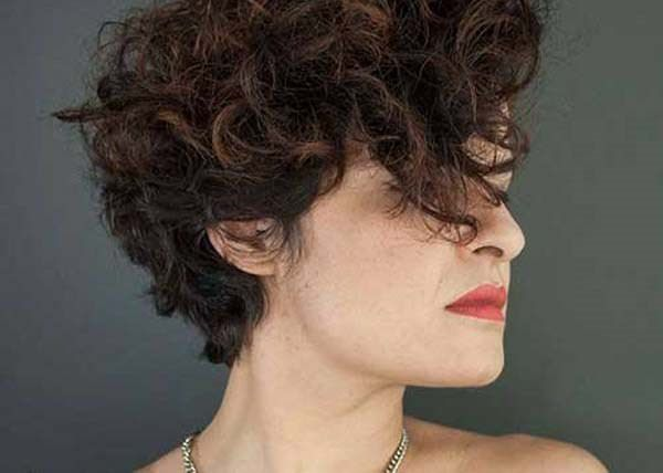 Short Curly Haircuts For Women 2019 58