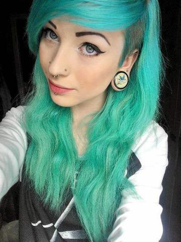 9a1c9b99f Emo Hair Style Ideas for Girls: Be a Punk Rockstar with Cool Hair
