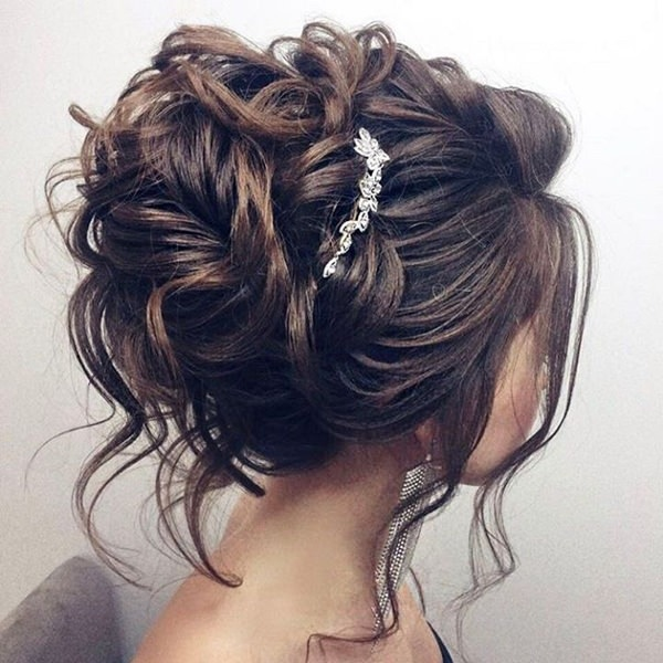 00118b02e02 154 Updos for Long Hair Featuring Beautiful Braids and Buns