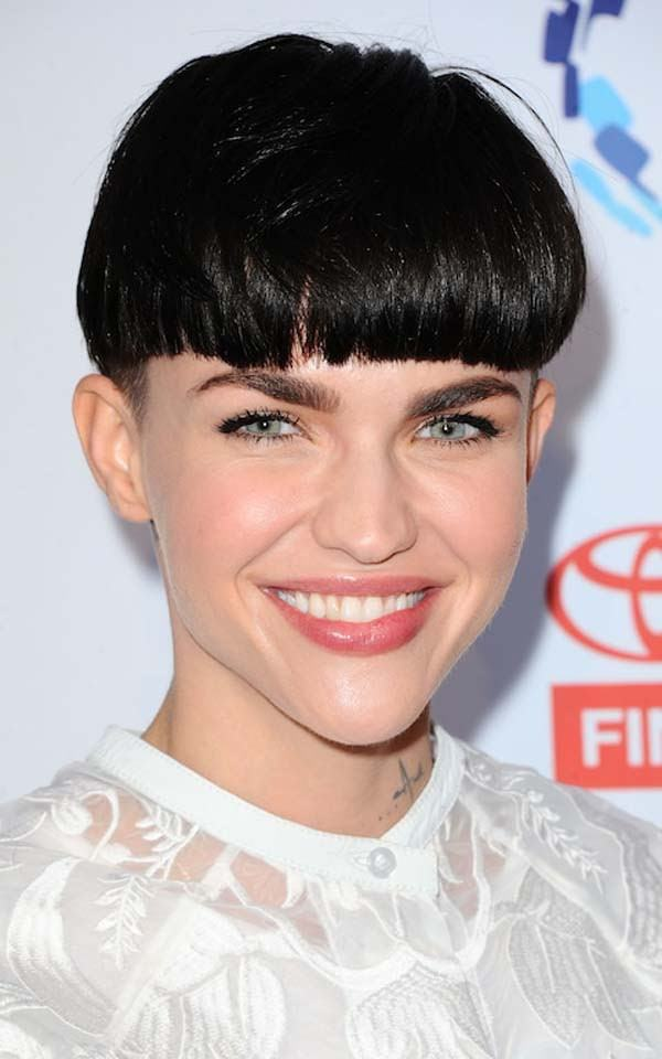 97 Trending Bowl Cut Hairstyles That Stands Out This Year