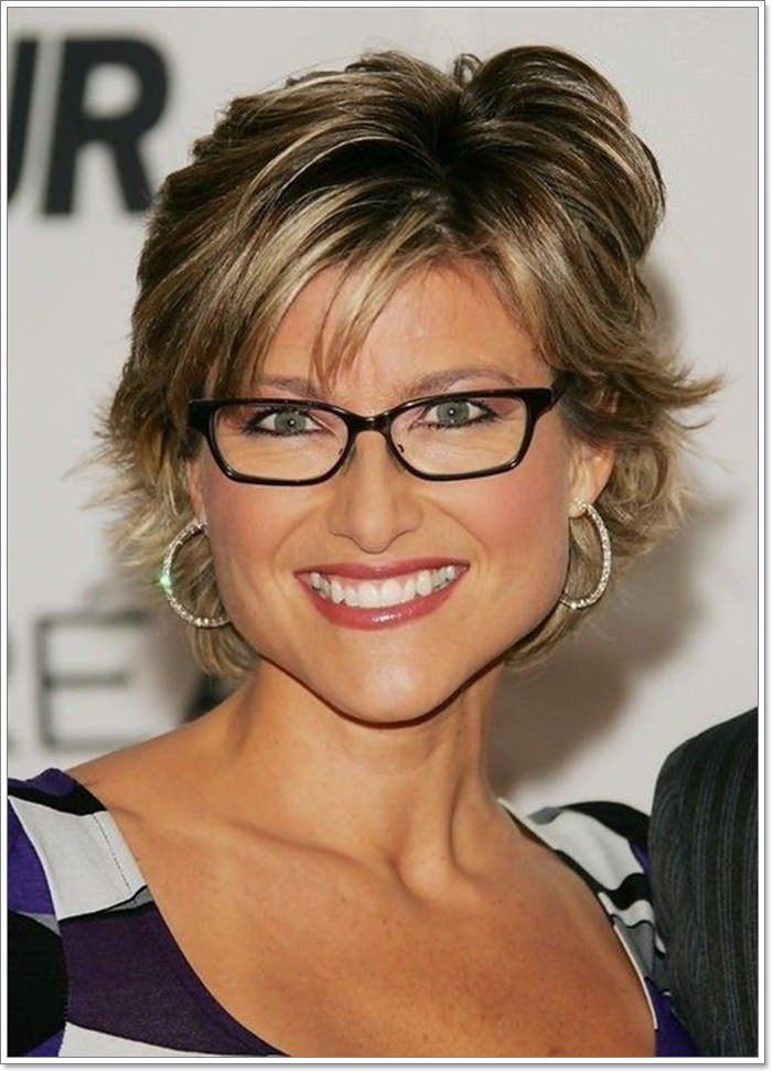 Short Haircuts For Women Over 40 With Round Faces