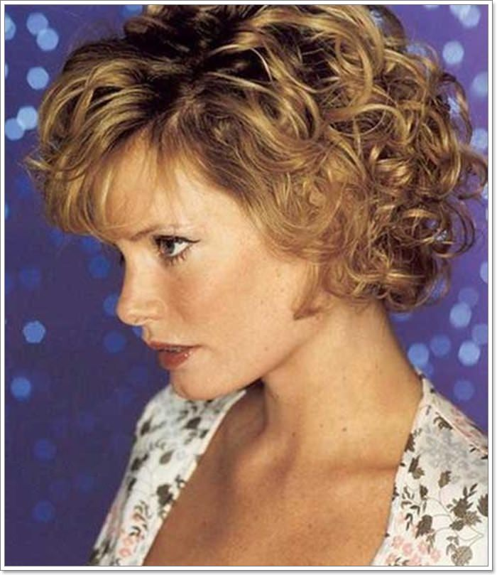 87 Lovely Hairstyles For Women Over 40