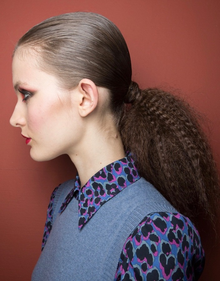 7ffdee39726e23 If you re not a big fan of elaborate hairstyles and romantic braids