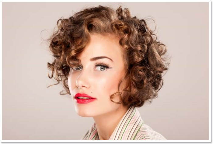 Short Hairstyles For Curly Hair Women 72
